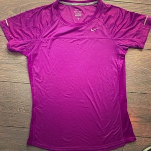 🌻Nike Miller running short sleeve Dri-Fit tee